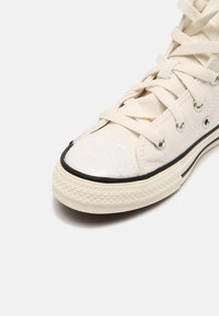 Converse - CHUCK TAYLOR ALL STAR GLITTER HI UNISEX - Zapatillas altas - egret/black - 4