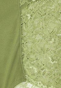 Monki - OMA BRIEF - Underbukse - khaki/green medium dusty unique - 2