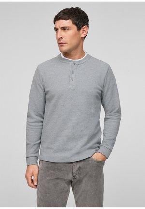 MIT HENLEYAUSSCHNITT - Long sleeved top - grey