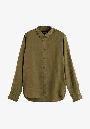 REGULAR FIT- GARMENT-DYED WITH SLEEVE ROLL-UP - Shirt - braun