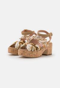 Alberta Ferretti - Platform sandals - beige - 2