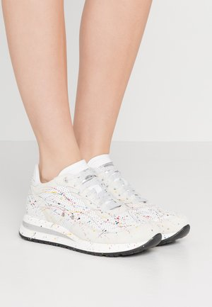 NANCY  - Trainers - bianco