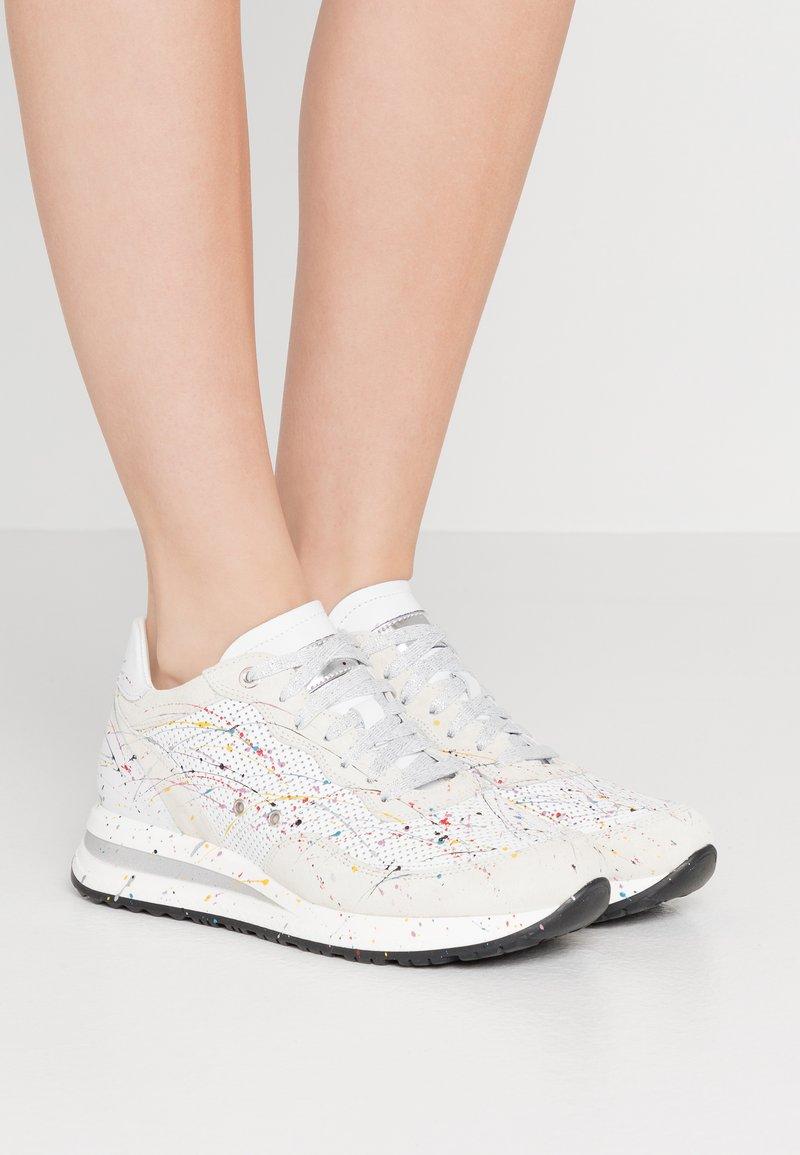 Noclaim - NANCY  - Sneakers basse - bianco