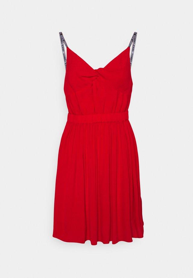 ESSENTIAL STRAP DRESS - Korte jurk - deep crimson