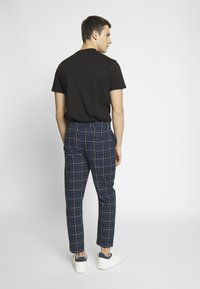 Nominal - ROW TROUSER - Trousers - navy - 2
