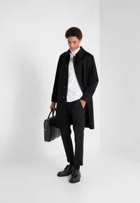 Mackintosh - DOWNFIELD - Trenchcoat - black - 1