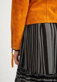 Vila - VICRIS - Leather jacket - golden oak - 5