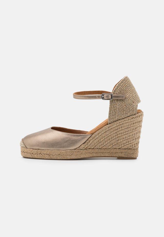CASTILLA - Sandały na platformie - mumm