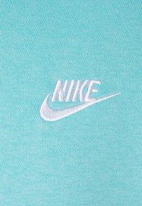 Nike Sportswear - CLUB HOODIE - Hættetrøjer - bleached aqua/white - 2