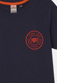 Vingino - HELON - Print T-shirt - dark blue - 2