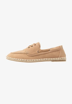 STONE CORNISH SHOE - Boat shoes - cream