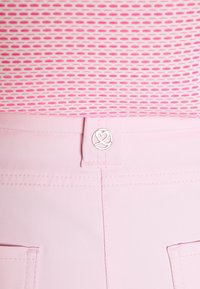 Daily Sports - LYRIC CAPRI - Pantaloncini 3/4 - pink - 6