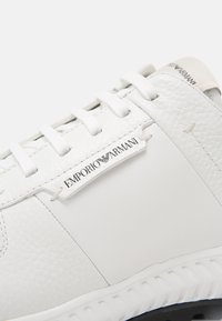 Emporio Armani - Sneakers - white - 6