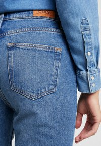 ONLY - ONLROXY TRAIGHT - Jeans Straight Leg - light blue denim - 5