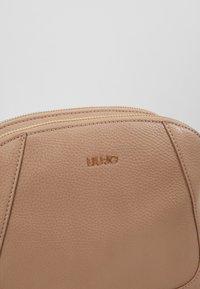 LIU JO - CROSSBODY - Across body bag - beige - 2