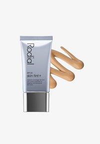 Rodial - SKIN TINT SPF20 40ML - Tinted moisturiser - st.barth - 0