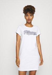 Tommy Hilfiger - SEERSUCKER DRESS - Chemise de nuit / Nuisette - white - 0