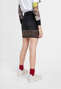 Desigual - A-snit nederdel/ A-formede nederdele - black - 2
