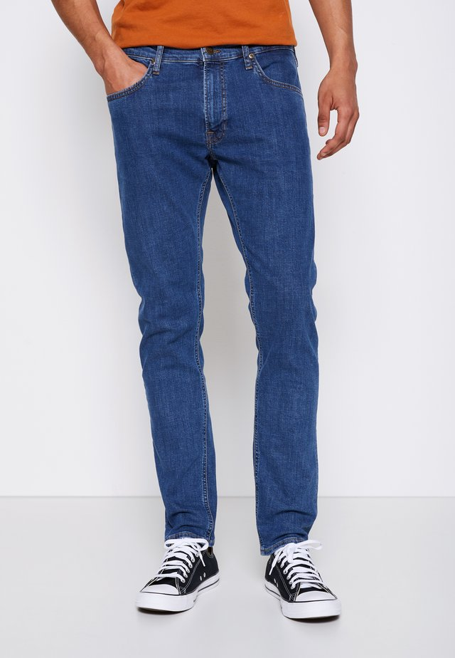 LUKE - Slim fit jeans - mid stone wash