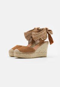 Vidorreta - High heeled sandals - camel - 2
