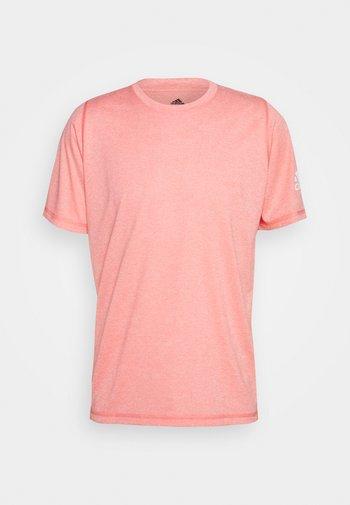 FREELIFT AEROREADY TRAINING SHORT SLEEVE TEE - Basic T-shirt - red