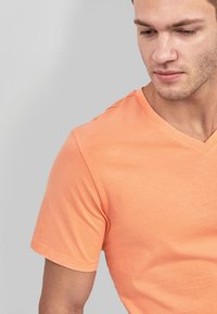 Next - Basic T-shirt - orange - 2