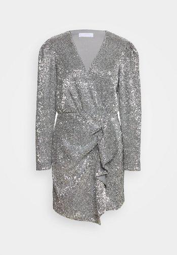 EDITION TRINA - Sukienka koktajlowa - silver