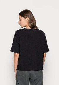 Lounge Nine - KYLIE - T-shirts med print - pitch black - 2