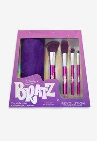 Make up Revolution - REVOLUTION X BRATZ BRUSH SET - Makeup brush set - - - 2