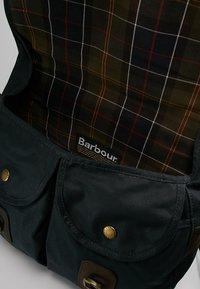 Barbour - TARRAS - Across body bag - navy - 4