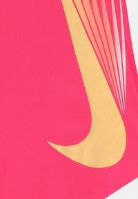 Nike Sportswear - 7 POINT - Triko spotiskem - hyper pink - 2