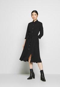 Dorothy Perkins - PLAIN  - Denní šaty - black - 0
