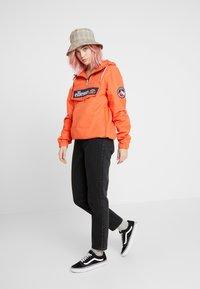 Ellesse - MONTEZ - Windbreaker - orange - 1