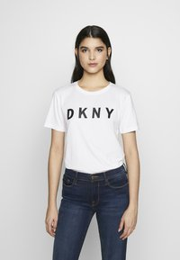 DKNY - Triko spotiskem - white/black - 0