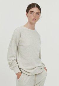 ICHI - KYLA - Maglietta a manica lunga - oatmeal melange - 0