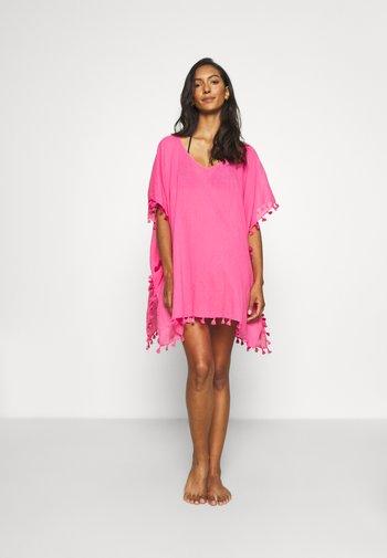 BEACH EDIT AMNESIA KAFTAN - Strandaccessoire - bright pink