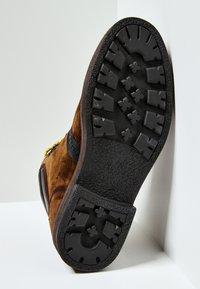 Pepe Jeans - Šněrovací kotníkové boty - cognac - 4