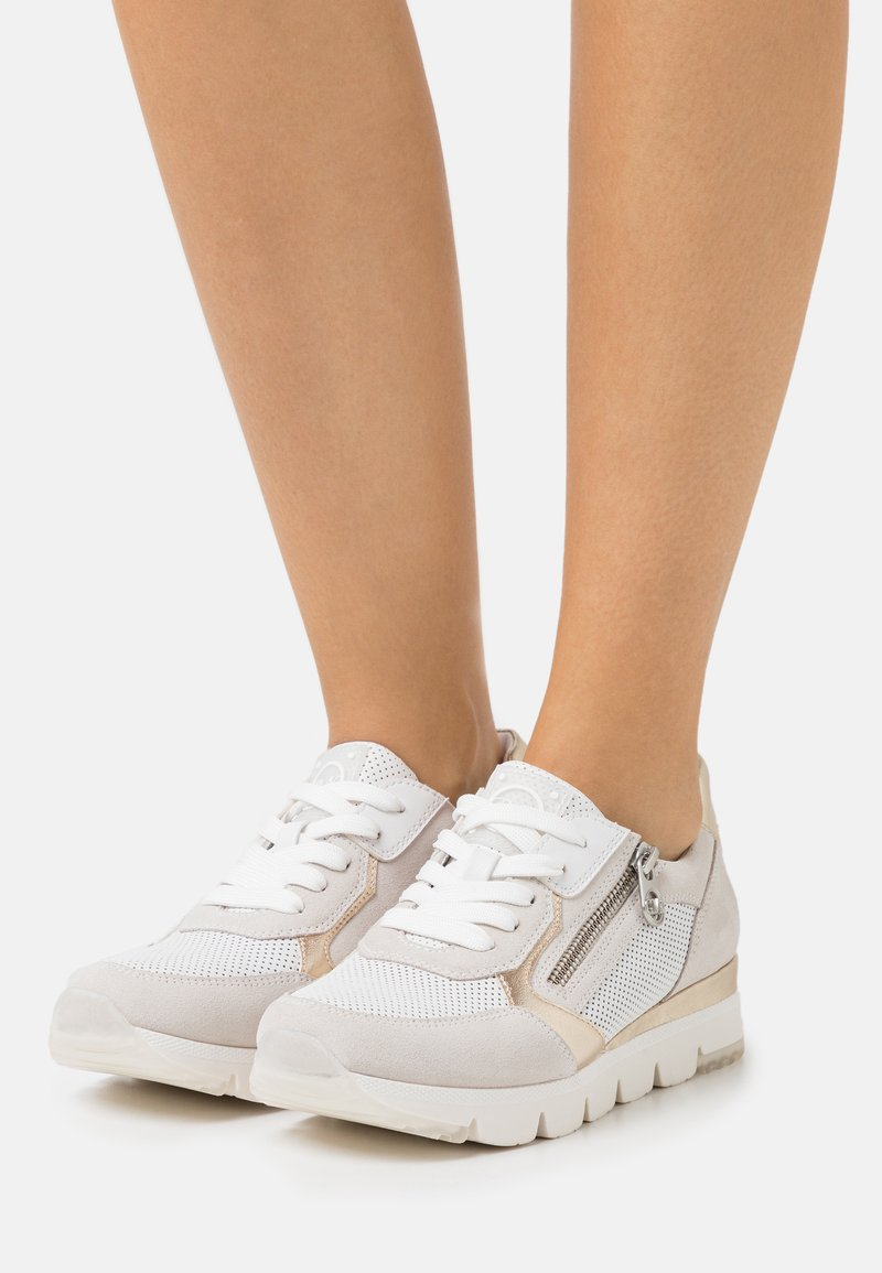 Marco Tozzi - BY GUIDO MARIA KRETSCHMER - Sneakers laag - offwhite