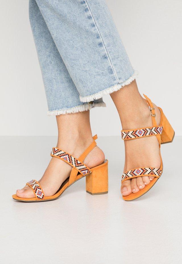 Sandaler - mango