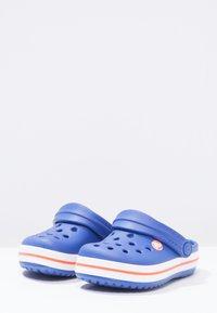 Crocs - CROCBAND - Sandali da bagno - cerulean blue - 2
