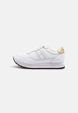 LIFESTYLE RUNNER - Trainers - white