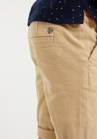 WE Fashion - Shorts - beige - 2