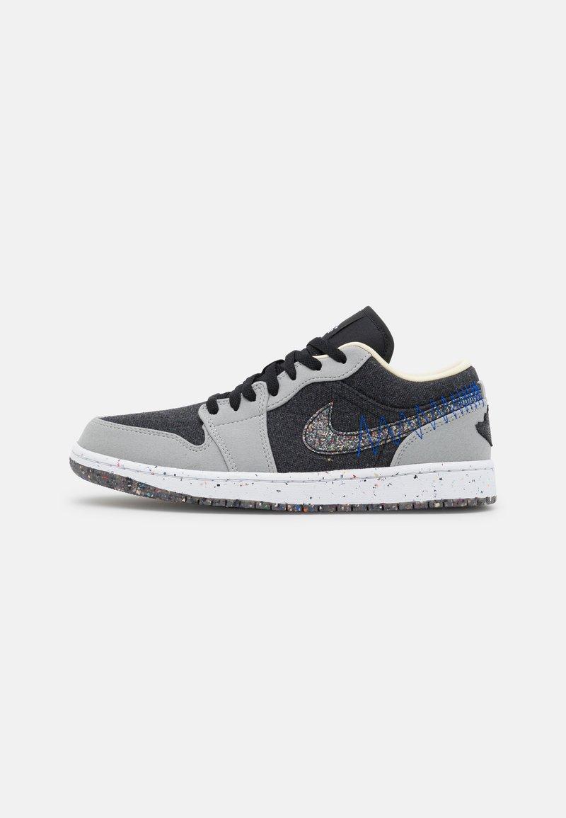 Jordan - AIR 1 SE  - Sneakers laag - light smoke grey/multicolor/black/racer blue