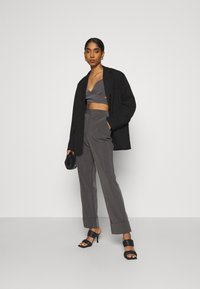 4th & Reckless - BLAISE TROUSER - Trousers - grey - 1