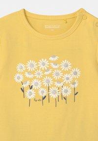 Staccato - SET - Print T-shirt - yellow/dark blue - 3