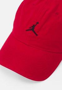 Jordan - WASHED - Lippalakki - gym red/(black) - 3