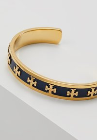 Tory Burch - RAISED LOGO CUFF - Bracelet - navy/gold-coloured - 4