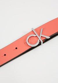 Calvin Klein - RE LOCK LOW  FIXED - Cinturón - red - 4