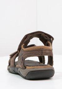Timberland - OAK BLUFFS - Sandals - dark brown - 3