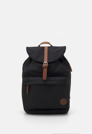 HIKER POCKET BACKPACK - Reppu - black
